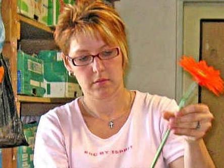 Helena Stutzigová ve svém království květin.