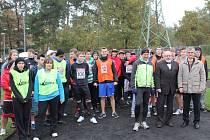 S maratoncem na trati soupeřily štafety studentů.