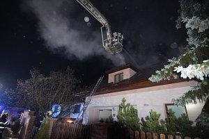 Požár rodinného domu ve Slušticích