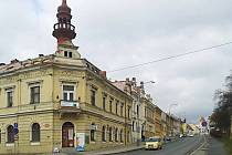 Současná podoba domu na rohu Macharovy a Pražské.