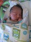 Václav Karnet se rodičům Pavle a Petrovi z Mělníka narodil v mělnické porodnici 9. května 2016, vážil 4 kg a měřil 52 cm. Na brášku se těší 15letá Aneta a skoro 7letý Vojta.
