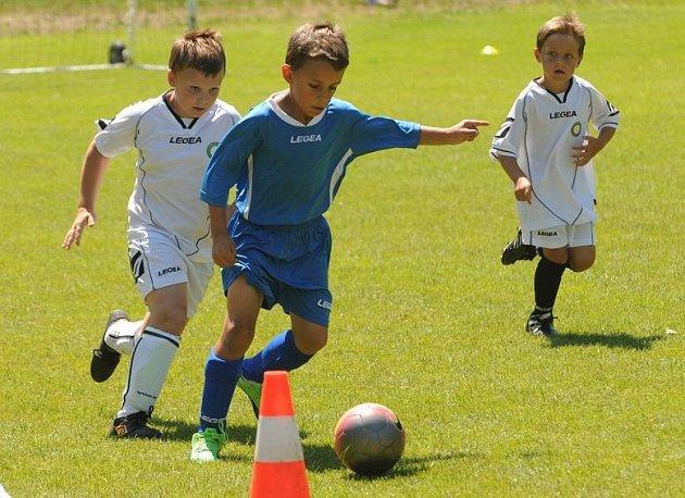 Mládežnický turnaj v Obříství ovládl domácí tým a Tišice.
