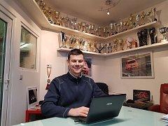 Pilot Tomáš Pekař byl v únoru 2018 hostem online rozhovoru pro Mělnický deník.