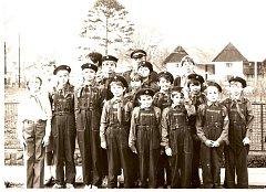 Družstvo mladých hasičů z Chorušic z osmdesátých let