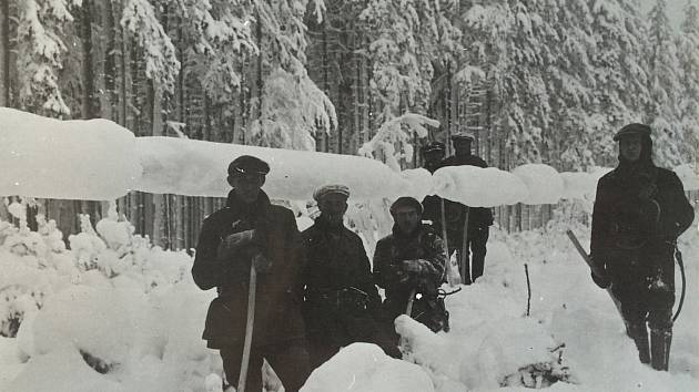 V lednu i v únoru roku 1985 – přesně to bylo 7. až 12. ledna a následně ještě 11. až 13. února – přišly takové mrazy, že v tehdejším Československu hrozila situace, již dnes nazýváme blackout: totální výpadek dodávek elektřiny.