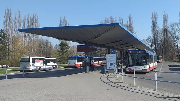 Mělnický autobusový terminál.