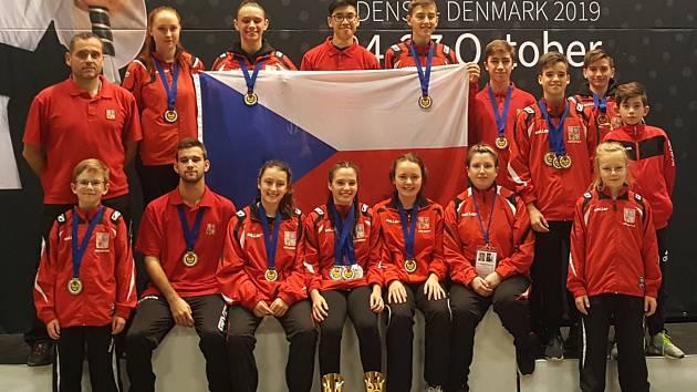Úspěšní reprezentanti SK karate Dragon na mistrovství Evropy 2019 v Dánsku, kde vybojovali 16 medailí.