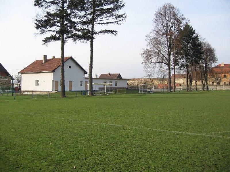 AFK Hořín na podzim zvládl vybojovat 4. místo ve III. třídě i opravit svůj fotbalový stánek