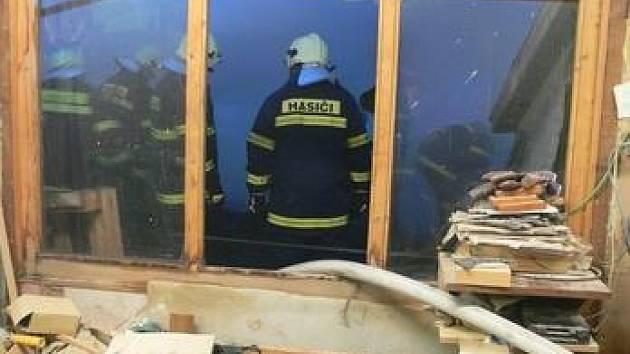 Za většinou požárů často stojí nesprávné používání zábavné pyrotechniky.