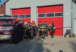 V Obříství byla slavnostně otevřena nová hasičská zbrojnice