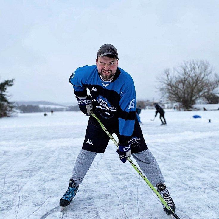 Aleš Hovorka, bývalý hráč HC Dobříš a HC Příbram, v současnosti člen týmu Pross Sport Superheroes