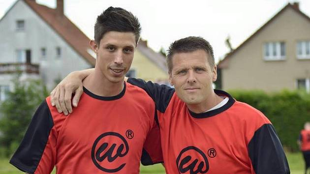 Kapitán Lobkovic Jan Blahut (vlevo) s předsedou klubu Radkem Šmejkalem.
