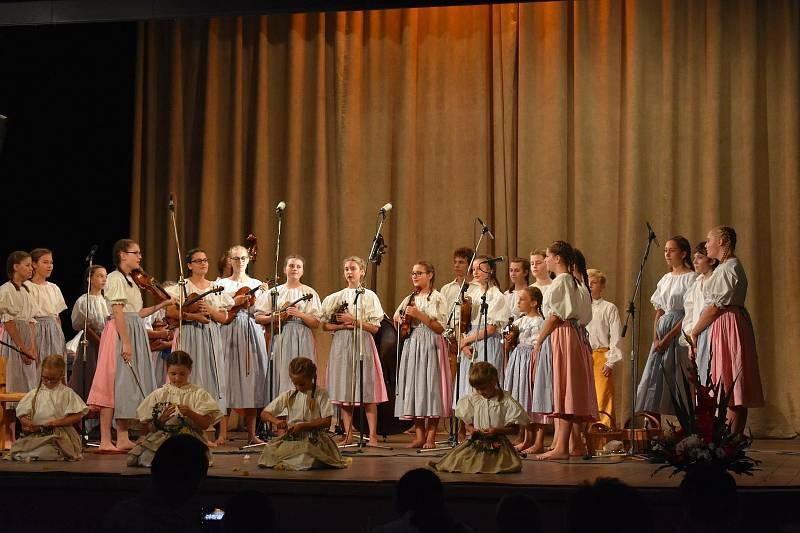 Ze 24. ročníku festivalu poezie a přednesu Seifertovy Kralupy.