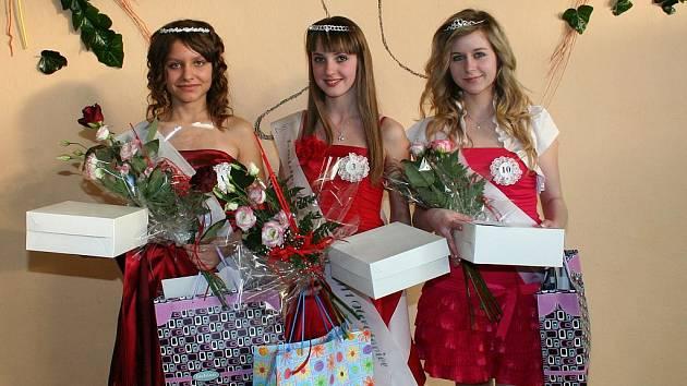 1. ViceMiss Michaela Trejbalová, Dívka roku Pavlína Šestáková, 2. ViceMiss a Miss sympatie Eva Muráriková.
