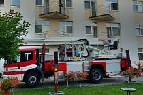 Požár v domově seniorů ve Mšeně.