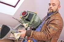 Mšenská základní umělecká škola se podle jejího ředitele Čeňka Hlavatého (na snímku) zaměří také na fotografii.
