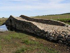 Obloukové kamenné mosty z římských dob,  skvosty, které jsou navíc  naprosto funkční