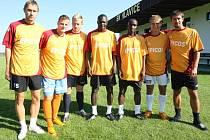 V létě Hlavice rozšířila kádr o sedm nových hráčů. Martin Cintula (druhý zleva), který bude nejméně do konce podzimu vypomáhat v Ovčárech, byl jedním z nich.