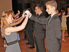 Taneční probíhají v kralupském kulturním domě.