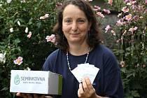 První Semínkovnu na Mělnicku otevřela loni v Medovém obchůdku v Kozomíně včelařka Kamila Rubešová.
