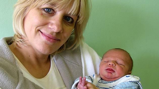 Michael Danišovič se rodičům Kateřině a Michalovi ze Zahájí narodil 25. prosince 2008, vážil 3,90 kg a měřil 53 cm.
