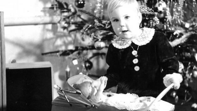 Výstava s názvem Vánoce 70. a 80. let volně navazuje na dvě předchozí – Mělnické Vánoce v době první republiky a Vánoce 50. a 60. let.
