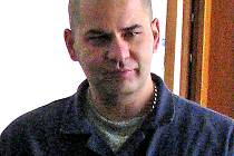 Radoslav Čapek při odchodu ze soudní síně