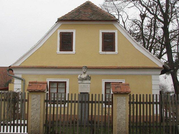 Památník Bedřicha Smetany v Obříství.
