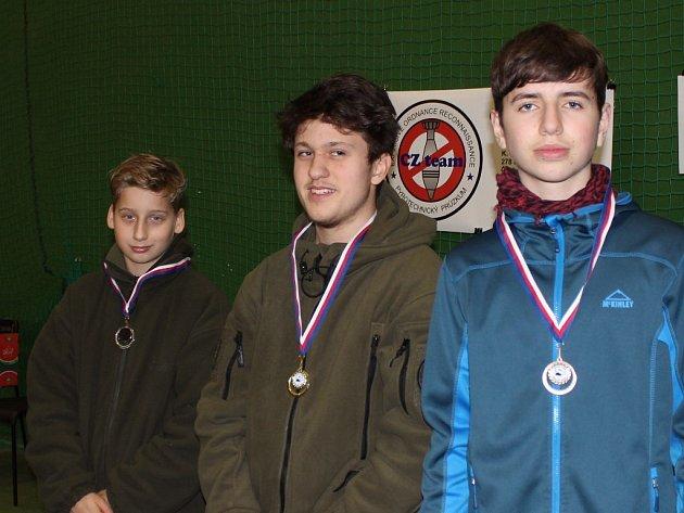 Vítězové vkategorii Mládež (zleva) Pavel Maršálek, Vojtěch Zázvorka a Jan Nezbeda.