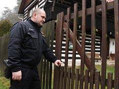 Policisté na Kokořínsku kontrolovali chaty.