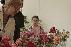 Na zámku Veltrusy se sobotu 23. a v neděli 24. června uskutečnila akce Slavnost růží a návštěvníci mohli v průběhu dvou dnů vybírat asi ze stovky krásných květin od českých růžových sadů či jednotlivců a hlasovat pro tu nejkrásnější.