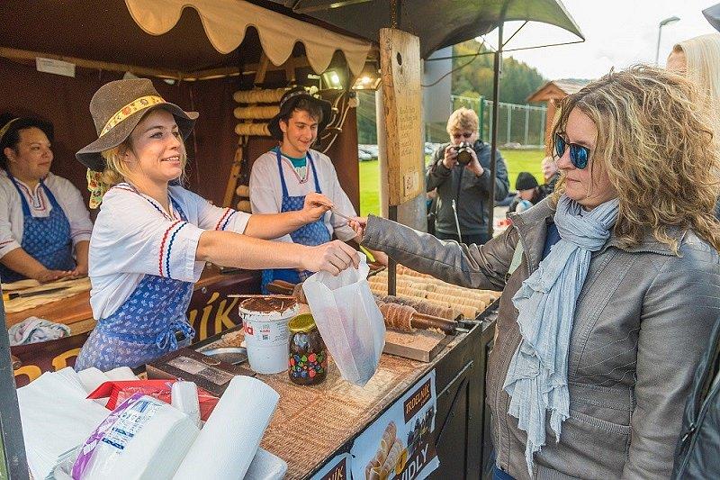 Gastrofestival ve Velkých Karlovicích. Farmářské trhy.