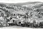 PRLOV. Pohled na obec v 70. letech minulého století.