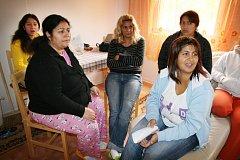 Ženy, které se nechaly zlákat na levnou elektřinu přiznaly, že smlouvě vůbec nerozumněly.