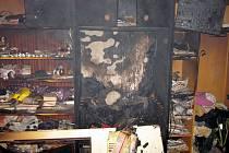 Při požáru bytu v Rokytnici hasiči evakuovali 19 osob