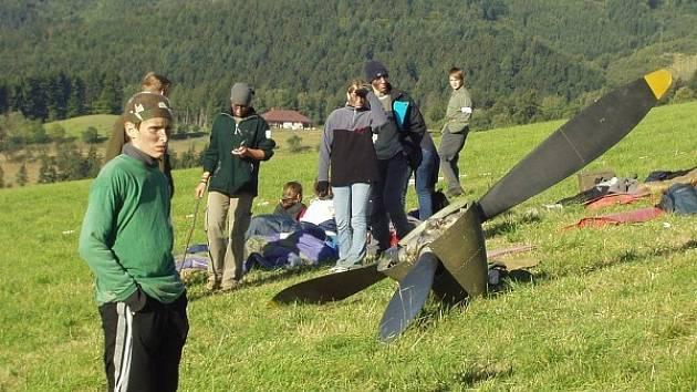 Skauti budou hledat vrak letadla