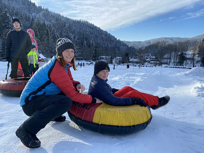 Snowtubing ve Ski areálu Razula ve Velkých Karlovicích; neděle 31. ledna 2021
