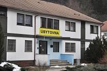Budova ubytovny, ve které byla ve středu 6. března 2013 odpoledne nalezena zavražděná žena