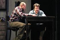 Divadelní hra Martina McDonagha Osiřelý západ.