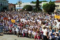 Rožnov pod Radhoštěm je podle místních branou Beskyd a srdcem Valašska. Masarykovo náměstí při pokusu o zdolání rekordu v roce 2017.