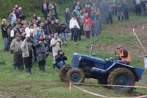Ve Zděchově se v sobotu jely závody traktorů.