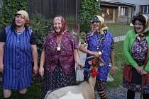 Návštěva komisařů v Hošťálkové byla příležitostí k představení vesnice i zábavě.