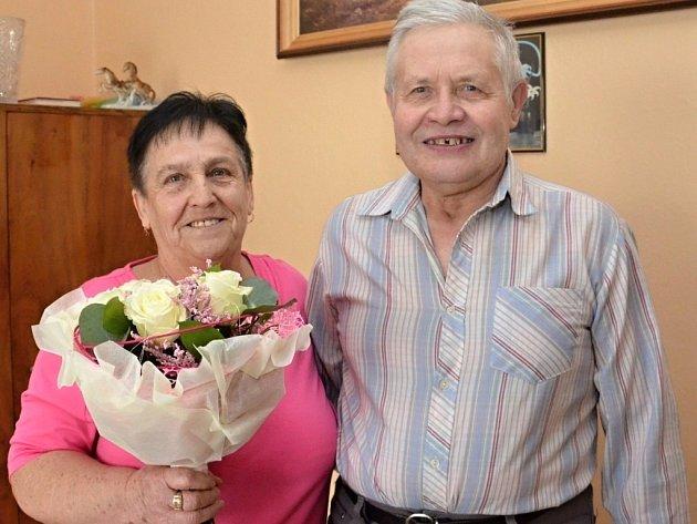 Manželé Alena a Miroslav Kubjátovi oslavili zlatou svatbu