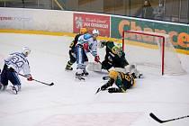 Hokejisté Vsetína po úterním večeru vedou 2:1 na zápasy.