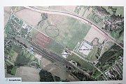 Plánovaná stavba by měla vzniknout na červeně vyznačeném území.