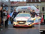 Na osmdesát posádek Valašské rally slavnostně odstartovalo.