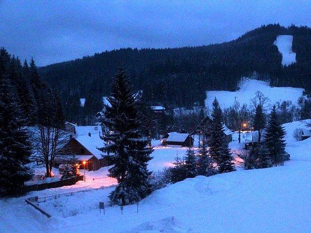 Velké Karlovice v noci.