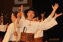 Ve Vsetíně se konal reprezentační vševalašský bál. Valaši tančili odzemek