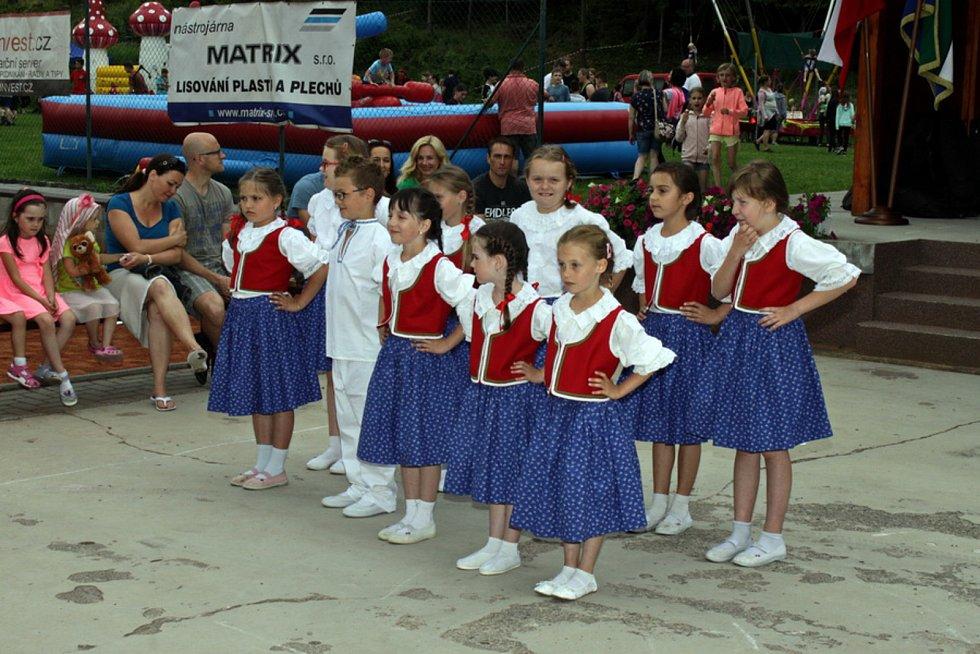 Stoleté výročí TJ Sokol Bystřička oslavili 8. června 2019 na hřišti U Lukášů. V programu vystoupily děti z Valašského kroužku-
