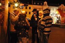 Meziříčané se k oslavám nového roku setkali ve čtvrtek 31.prosince 2015 na náměstí.
